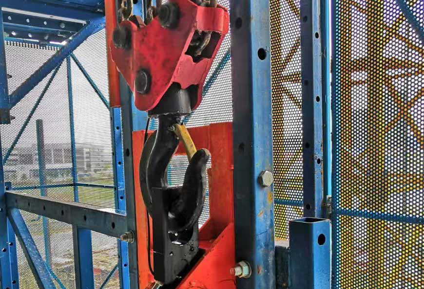 Automatic climbing via chain block and electrical hoist