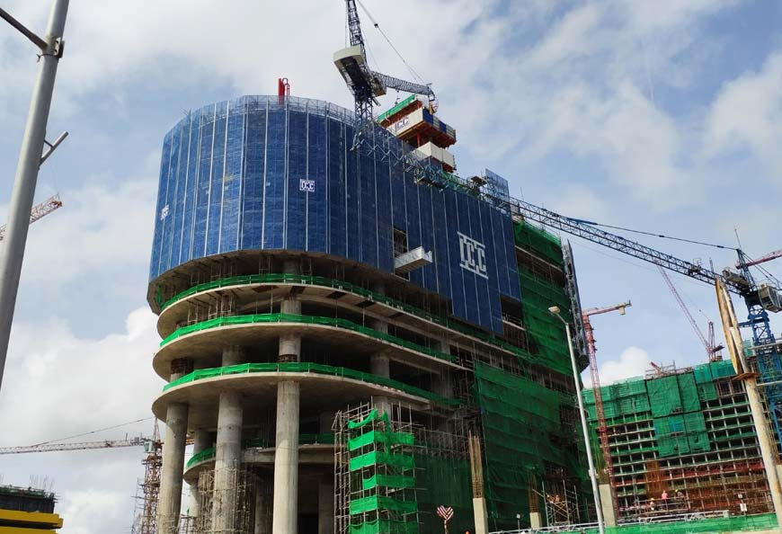 Site application in One Colombo project in Sri-Lanka with unloading platform