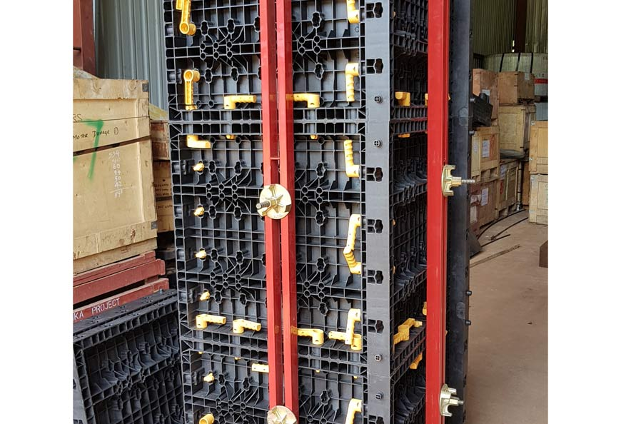 TECON Adjustable Plastic Column Formwork produces columns from 200x200 to 600x600mm